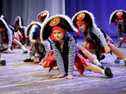 Pirate themed dance for ks2 and above