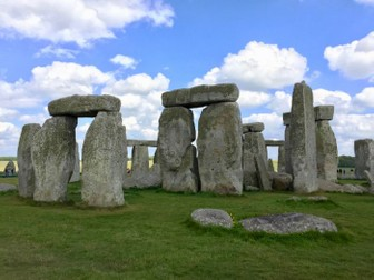 Stonehenge: 28 Photos for use in class and your teaching resources