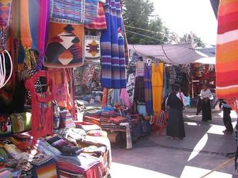 School life in Ecuador (1), The Otavalo market (2), thematic units - SP Intermediate. 1