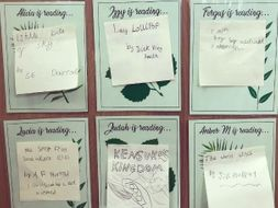 'I am reading' display cards