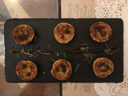 Lisbon-Food---Restaurants-Powerpoint.pptx